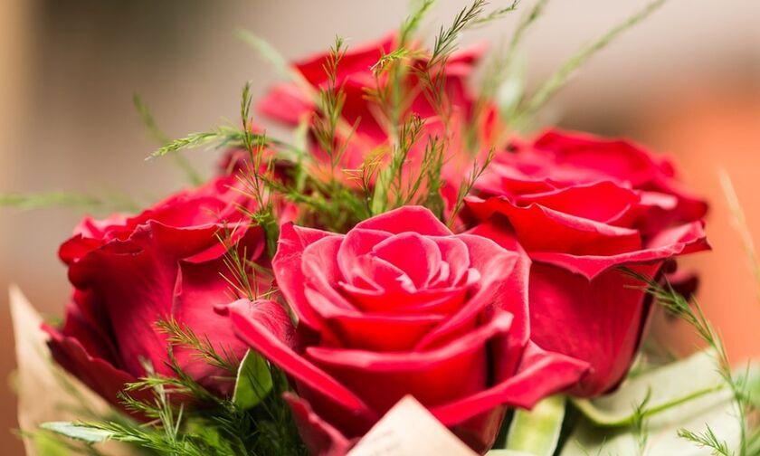 Εορτολόγιο: Γιορτάζουν σήμερα, Παρασκευή 14 Φεβρουαρίου - Ημέρα των Ερωτευμένων (Αγίου Βαλεντίνου)