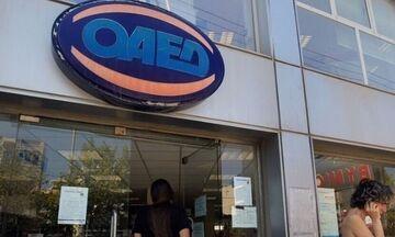 ΟΑΕΔ: O κατώτατος μισθός αυξάνει το επίδομα ανεργίας και άλλα επιδόματα