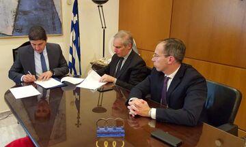 Μνημόνιο Συνεργασίας υπέγραψε ο Αυγενάκης για την ασφάλεια στις υδάτινες αθλητικές δραστηριότητες