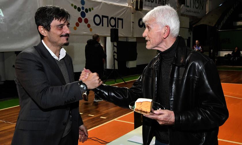 Ο Δημήτρης Γιαννακόπουλος στην προπόνηση της ομάδας βόλεϊ του Παναθηναϊκού