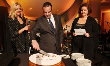 ΑΝΤ1: Έκοψε την πρωτοχρονιάτικη πίτα του στο στο Μουσείο Γουλανδρή (vid)