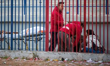 Επεισόδια στον Βόλο: Οπαδός του Ολυμπιακού Βόλου πέφτει από την εξέδρα (pics - vid)