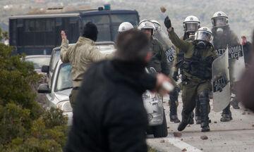 Λέσβος: Πολίτες πυροβόλησαν κατά των ΜΑΤ! Aποχωρούν και από Χίο (vid, pics)