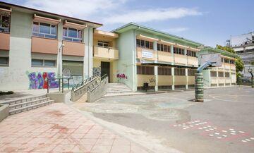 Κορονοϊός: «Λουκέτο» στο σχολείο της Τούμπας που πηγαίνει ο γιος της 38χρονης