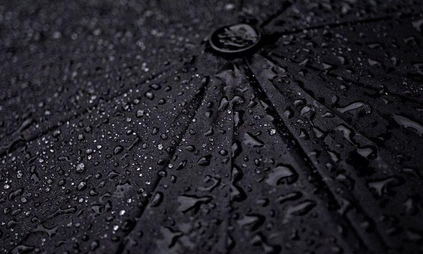 Καιρός: Πού θα έχουμε βροχές και καταιγίδες. Θυελλώδεις άνεμοι, θερμοκρασία σε πτώση