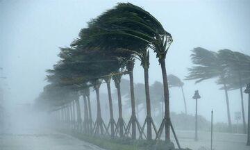 Καιρός: Ισχυρές βροχές και καταιγίδες, θυελλώδεις άνεμοι και θερμοκρασία σε πτώση