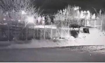 Τουρκικό τεθωρακισμένο προσπαθεί να γκρεμίσει τον φράχτη στον Έβρο (vids)