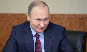 Ο Πούτιν... καλοβλέπει και τέταρτη συνεχόμενη θητεία ως πρόεδρος της Ρωσίας!