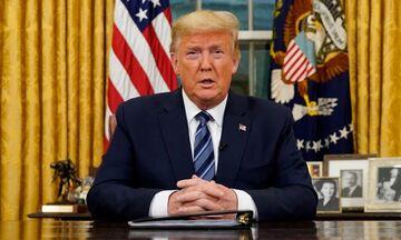 Κορονοϊός: Ο Τραμπ αναστέλλει για 30 ημέρες τις μετακινήσεις προς ΗΠΑ από Ευρώπη