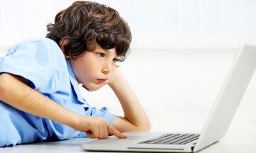 Κορονοϊός: Αρχίζουν τα μαθήματα εξ αποστάσεως, για μαθητές και φοιτητές!