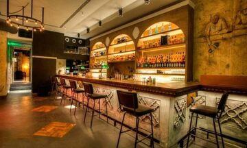 Κορονοϊός: Κλείνουν τα μπαρ, σκέψεις και για καφετέριες, εστιατόρια