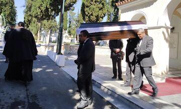 Η κηδεία του Μιχάλη Νομικού - To αντίο του Ολυμπιακού (pics)