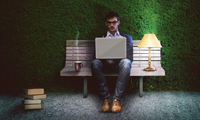 Κορονοϊός και τηλεργασία - Μειονεκτήματα όταν δουλεύεις από το σπίτι (vid)