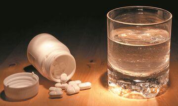 «Προτιμάτε φάρμακα με παρακεταμόλη», λέει ο Τσιόδρας - Τι είναι η παρακεταμόλη