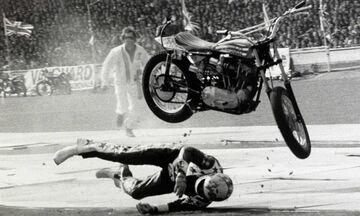 Όταν ο μοτοσικλετιστής Έβελ Κνίβελ έσπασε 93 κόκαλα σε ένα άλμα (vid)