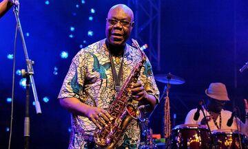 Πέθανε από κορονοϊό ο σπουδαίος σαξοφωνίστας Μανού Ντιμπάνγκο (vid, soul makossa)