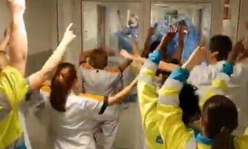 «You'll never walk alone» στο νοσοκομείο! (vid)