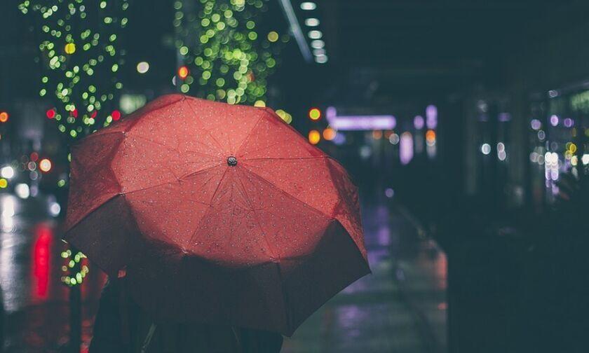 Καιρός: Άστατος με βροχές, καταιγίδες και χιονοπτώσεις - Θερμοκρασία σε άνοδο, ισχυροί άνεμοι