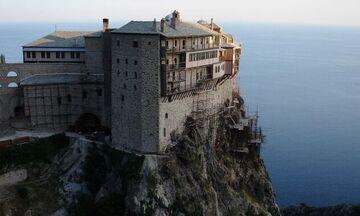Κορονοϊός: Στο νοσοκομείο μοναχός του Αγίου Όρους