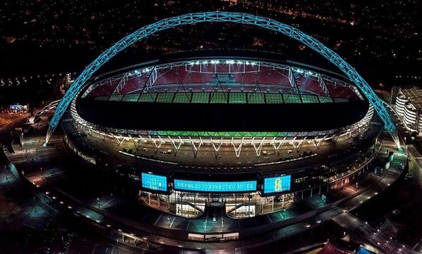 Το Wembley φωταγωγήθηκε στα χρώματα της ιταλικής σημαίας! (pic)