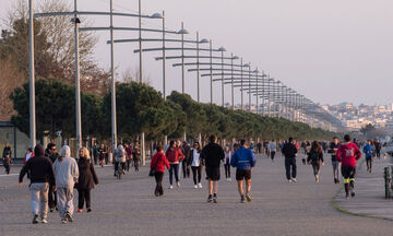 Θεσσαλονίκη: Με 400 κιγκλιδώματα και σχοινί έκλεισε η Νέα Παραλία (vid)