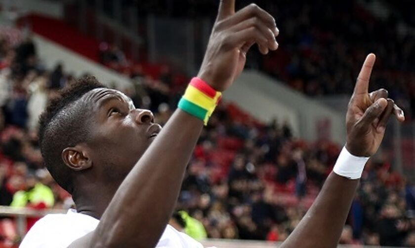 Σισέ: «Μου λείπουν το ποδόσφαιρο, η οικογένειά μου και οι οπαδοί του Ολυμπιακού!» (vid)