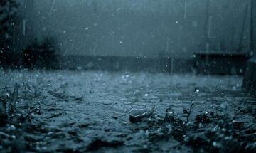 Κακοκαιρία: Προβλήματα στη Σκιάθο, πλημμύρισαν δρόμοι και σπίτια