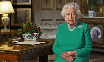 To έκτακτο διάγγελμα της βασίλισσας Ελισάβετ: «Ενωμένοι θα νικήσουμε την πανδημία»