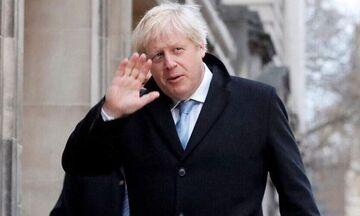 Μπόρις Τζόνσον: Λαμβάνει θεραπεία με οξυγόνο σύμφωνα με την «Daily Mail»