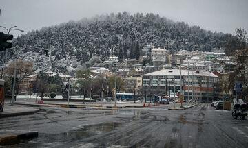 Καιρός: Χαμηλή θερμοκρασία με βροχές, παροδικές χιονοπτώσεις και παγετό!