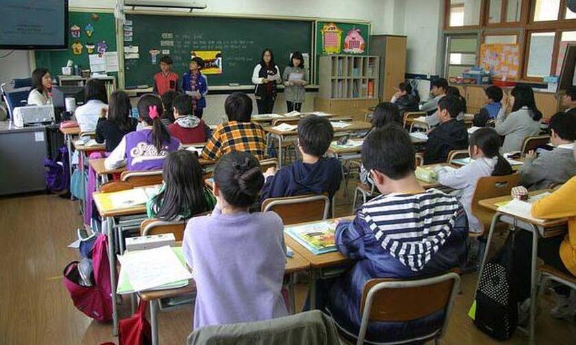 Κορονοϊός: Ανοίγουν τα σχολεία σε Δανία, Αυστρία
