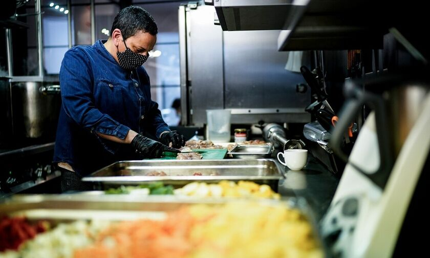 #cook4heroes: Τρία εστιατόρια της Αθήνας μαγειρεύουν για το προσωπικό των νοσοκομείων
