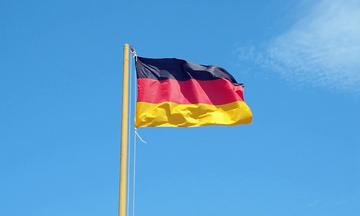 Γερμανία: Παρακολούθησαν την Ακολουθία της Μεγάλης Παρασκευής από τα αυτοκίνητα τους!