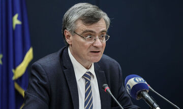 Τσιόδρας: «31 νέα κρούσματα, 99 συνολικά θάνατοι και 16 εξιτήρια από ΜΕΘ» (vid)