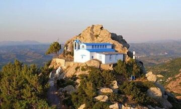 Φως στην Ελλάδα: Ο μοναδικός ναός στην Ελλάδα που βρίσκεται πάνω σε ηφαίστειο