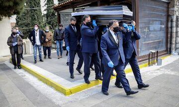 Παρουσία 4 δημοσιογράφων η κηδεία του Άκη Τσόπελα (pics)