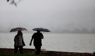 Καιρός: Νεφώσεις, βροχές - Πέφτει η θερμοκρασία