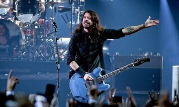 Κορονοϊός: Το BBC διασκευάζει το «Times Like These» των Foo Fighters για τον ΠΟΥ (vid)