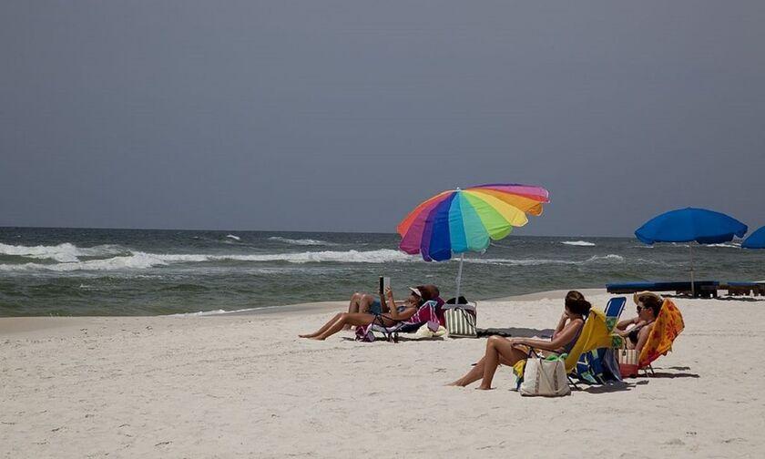 Αμερικανική έρευνα: Ο κορονοϊός «μισεί» ήλιο, υγρασία και ζέστη