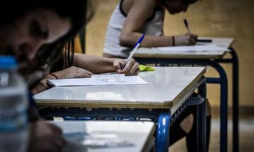 Κεραμέως: Τι προβλέπεται στις Πανελλαδικές για τους μαθητές με κορονοϊό ή σε καραντίνα (vid)