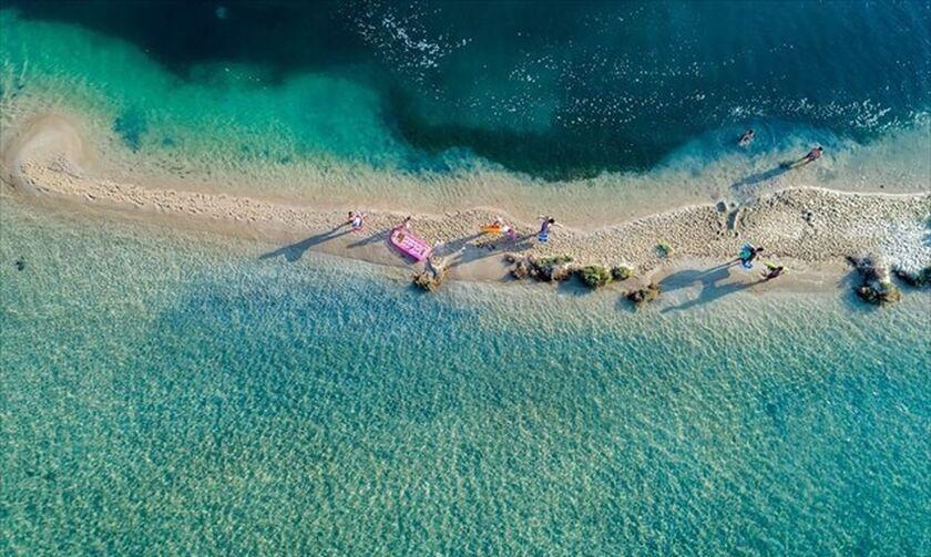 Έρευνα MARLAB: Το 47% των Ελλήνων σχεδιάζει διακοπές