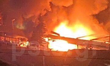 Κάηκε ψαροταβέρνα στο Μικρολίμανο, φωτιά σε κτίριο στη Σταδίου