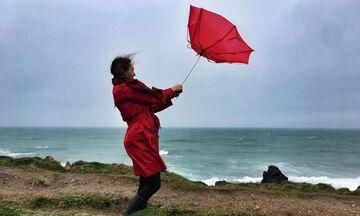 Καιρός: Πού θα έχουμε βροχές και καταιγίδες - Ισχυροί άνεμοι, θερμοκρασία σε υψηλά επίπεδα