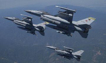 Τουρκικά F-16 παρενόχλησαν το ελικόπτερο του Υπουργoύ Εθνικής Άμυνας και αρχηγού ΓΕΕΘΑ