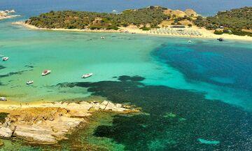 Φως στην Ελλάδα: Ποιο είναι το μοναδικό κατοικημένο νησί της Χαλκιδικής