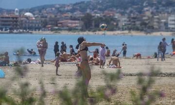 Λούτσα: Γέμισε από λουόμενους η παραλία (pics)