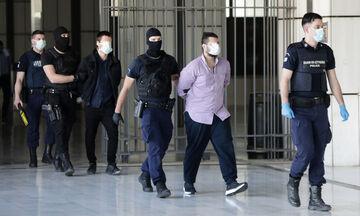 Δίκη Τοπαλούδη: Οργισμένη ανακοίνωση δικηγορικών συλλόγων κατά Εισαγγελέα και ένα λουλούδι