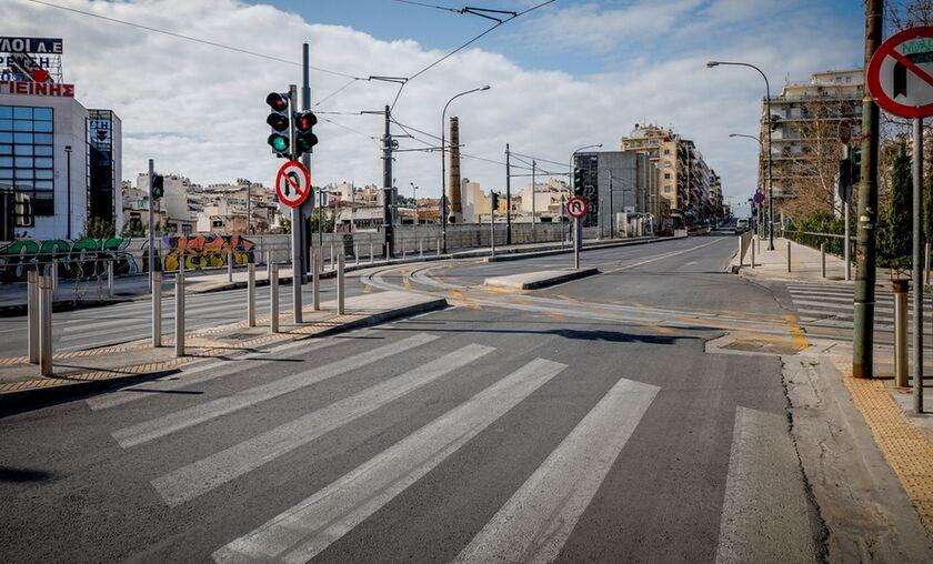 Πειραιάς: Διαγραμμίσεις και διαβάσεις σε κεντρικούς δρόμους (vid)