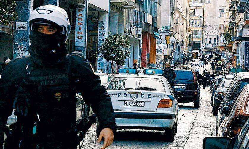 Συλλήψεις για τον πόλεμο συμμοριών στη Μενάνδρου