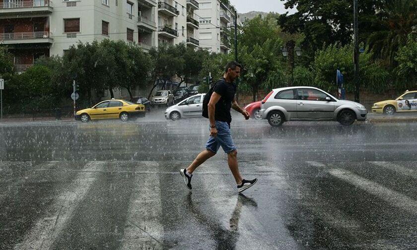 Καιρός: Πτώση της θερμοκρασίας με τοπικές βροχές